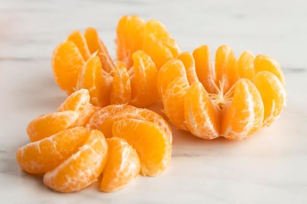 Hoge hoek van sinaasappels