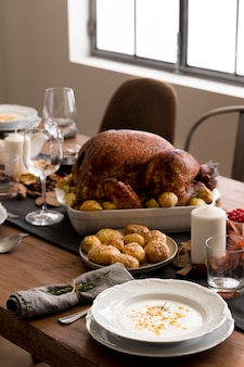 Hoge hoek voedselbereidingen voor thanksgiving day