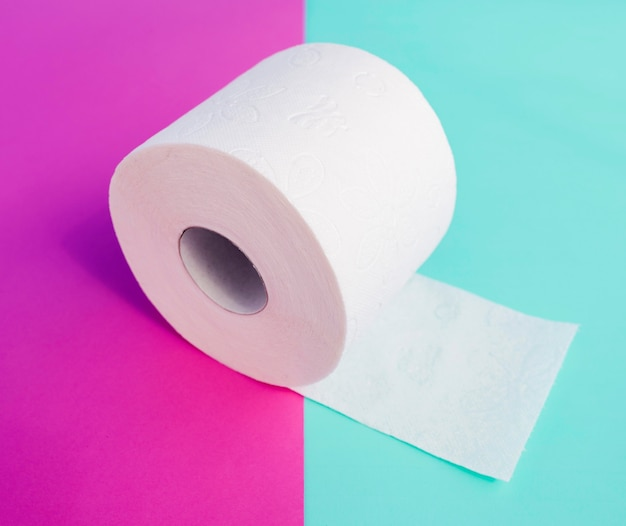Hoge hoek wc-papierrol