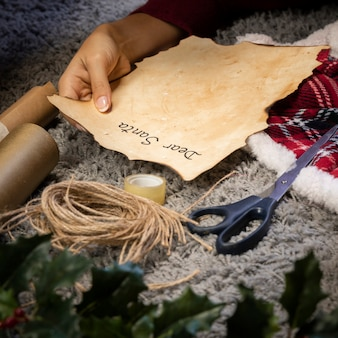 Hoge hoekbrief voor het proces van de kerstman