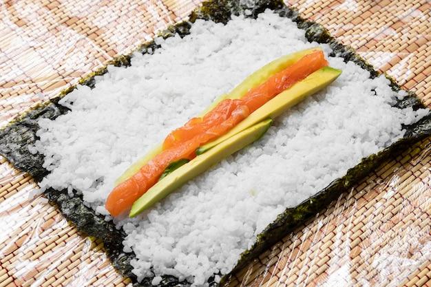 Hoge hoekingrediënten voor sushi
