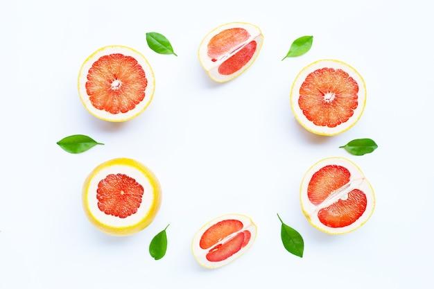 Hoge vitamine c. frame gemaakt van sappige grapefruit