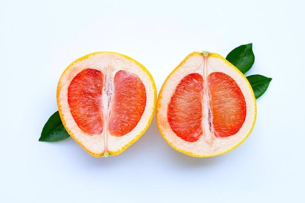 Hoge vitamine c. sappige grapefruitschijfjes.