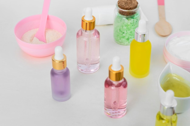 Hoge weergave biologische oliën spa-behandeling arrangement cosmetica