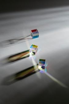 Hoge weergave prisma kubussen en stralen