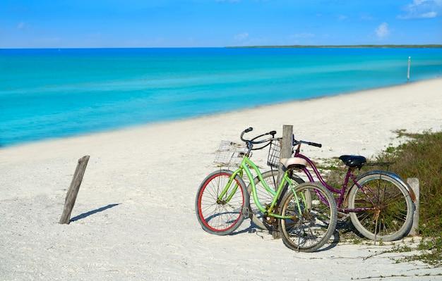 Holbox eiland strand fietsen mexico