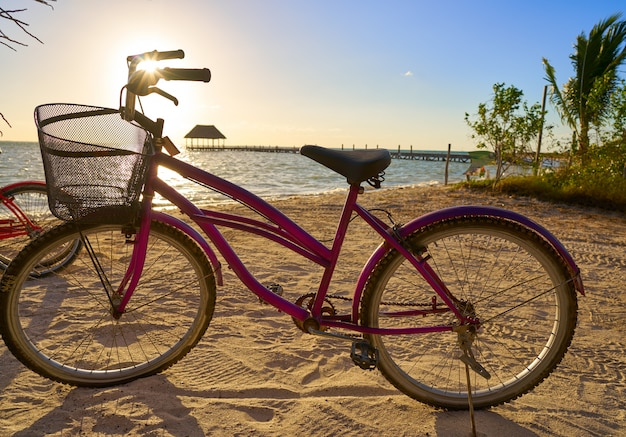 Holbox-eilandstrandfiets in mexico