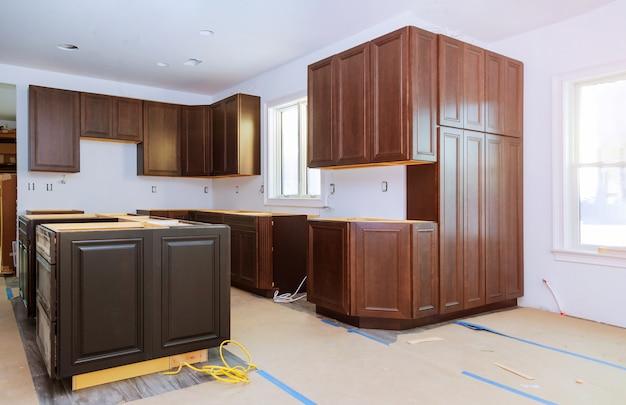 Home improvement kitchen remodelleren weergave geïnstalleerd in een nieuwe keuken