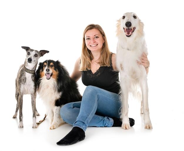 Honden en vrouw