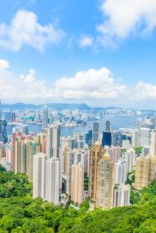 Hong kong-augustus 8: scène van de haven van victoria op 8 augustus,