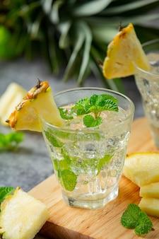 Honing citroen gember sap voedsel- en drankproducten van gemberextract voedselvoeding concept.
