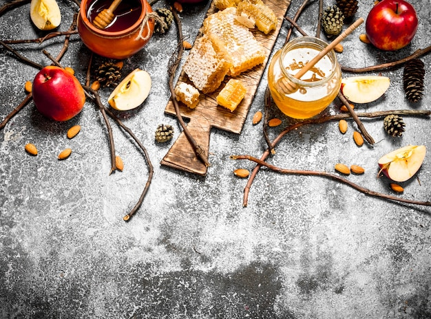 Honing met appels en noten