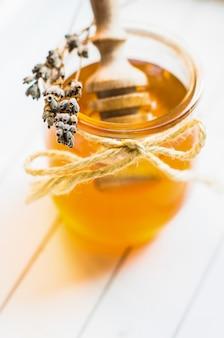 Honing met lavendel