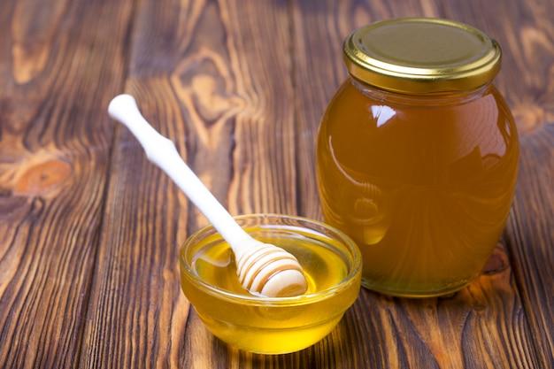 Honing op houten tafel