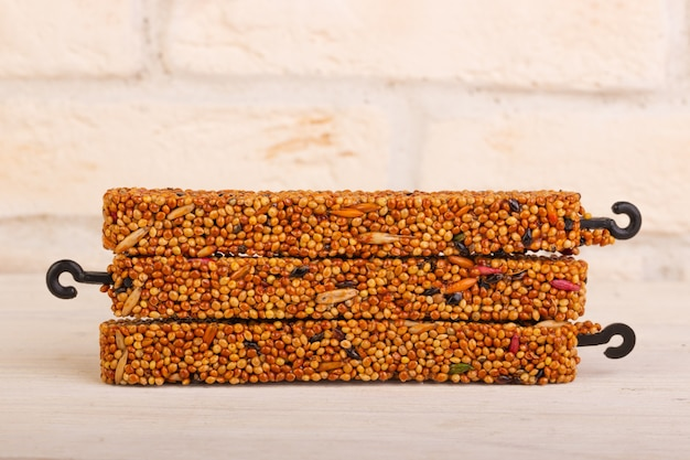 Honingkorrelstokjes voor vogels