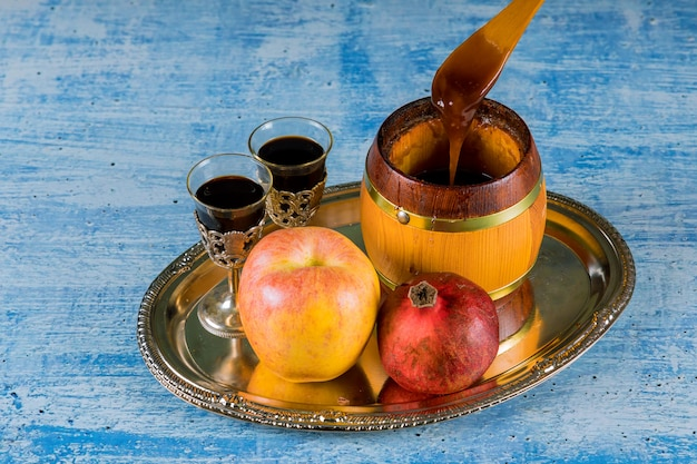 Honingpot met appels rosh hashana hebreeuwse religieuze feestdag