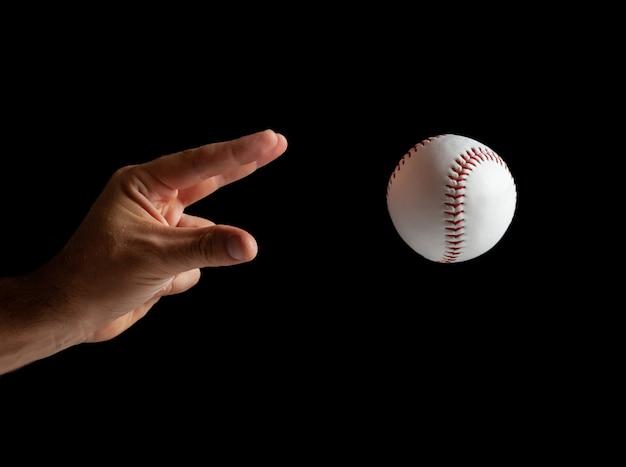 Honkbal werper klaar om te gooien