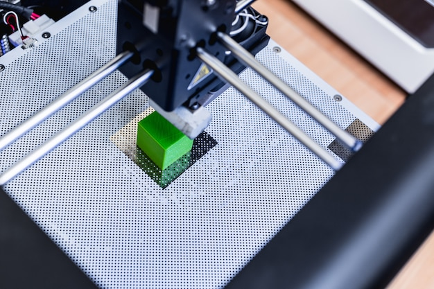 Hoofd van 3d-printer in actie