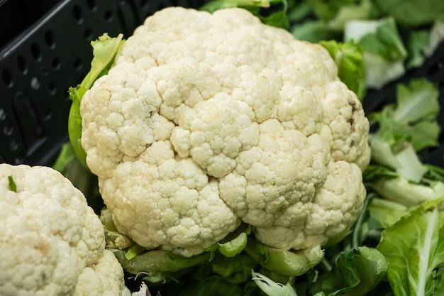 Hoofd van bloemkool close-up. dieetgroenten voor een gezonde voeding.
