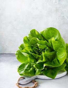 Hoofd van verse organische sla salade