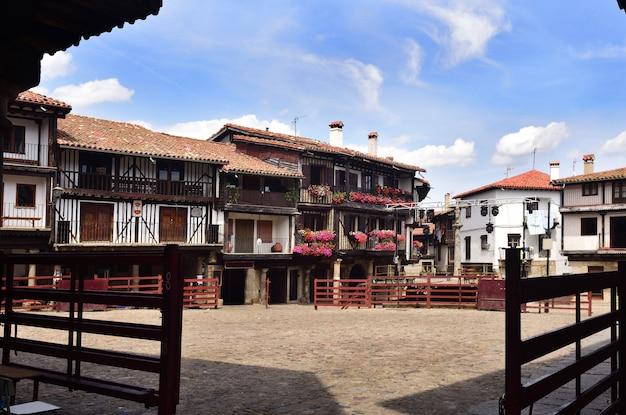 Hoofdplein en arena, la alberca, provincie salamanca, castilla-leon, spanje