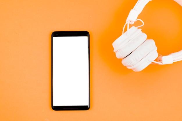 Hoofdtelefoons en smartphone