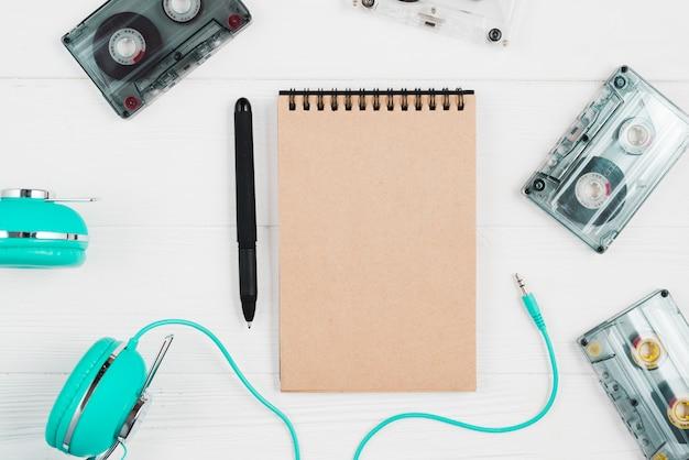 Hoofdtelefoons en tapes cassette