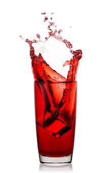 Hoog glas met een scheutje natuurlijk kersensap