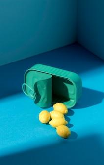 Hoog hoekassortiment van citroensuikergoed