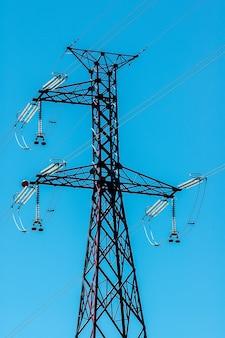 Hoogspanning elektriciteitstransmissie toren: