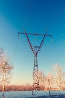 Hoogspanningslijn pyloon