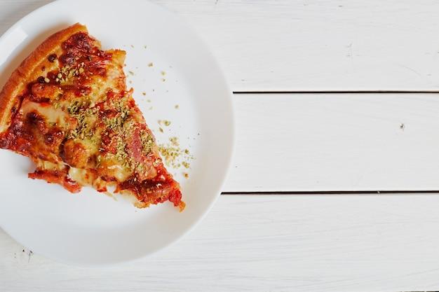Hoogste mening van italiaanse rustiek één plakpizza
