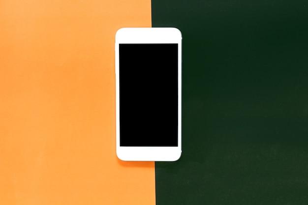 Hoogste mening van modelsmartphone met het lege scherm