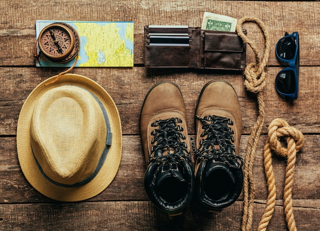 Hoogste mening van reismateriaal voor een bergreis
