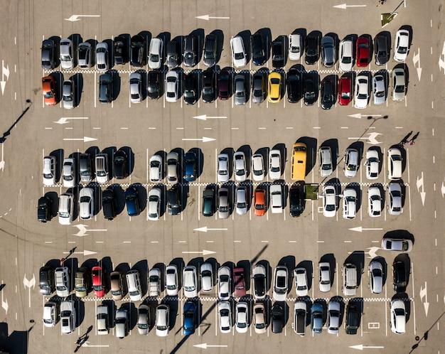 Hoogste mening van van de de textuur luchthommel van het autoparkeren geschotene achtergrond f
