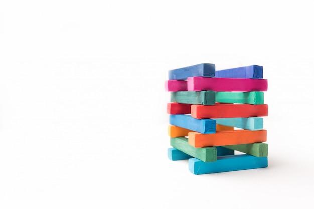 Hoogte kleurrijke krijttoren