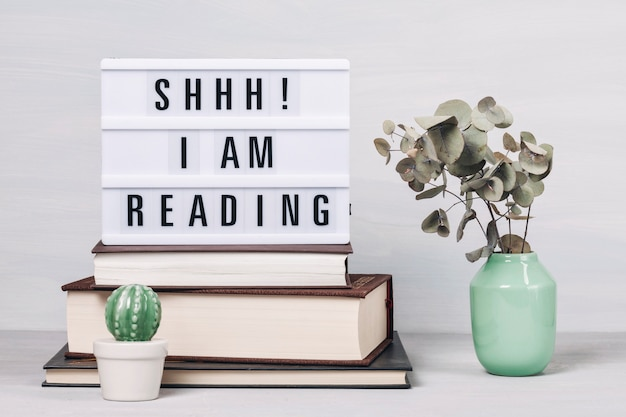Hoop boeken en lichtbak