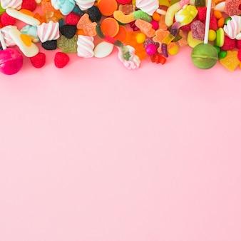 Hoop van verschillende snoepjes