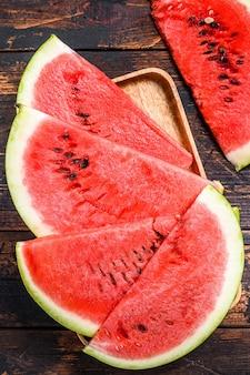 Hoop van verse rode gesneden watermeloen.