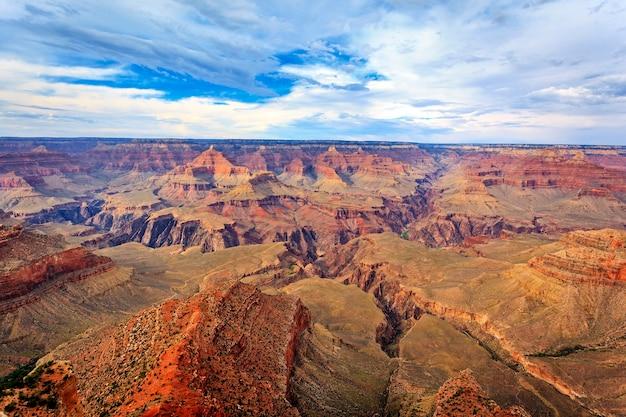Horizontale weergave van de beroemde grand canyon, arizona, verenigde staten