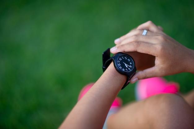 Horloge in vrouwenhand
