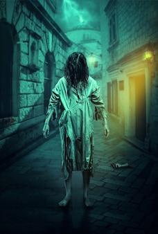 Horrorzombie op de donkere straat. halloween.