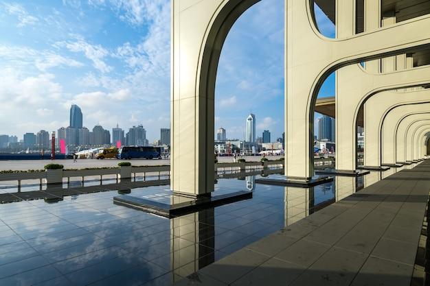 Hotelarchitectuur in het olympische varende centrum van qingdao, china