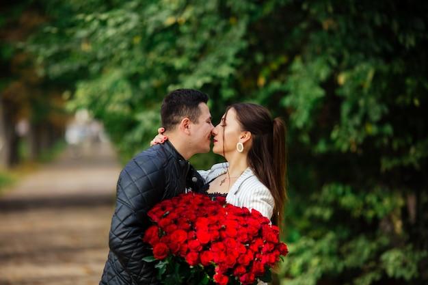 Hou van bekentenis gevoel huwelijksreis verjaardag concept. mijn hart behoort jou toe