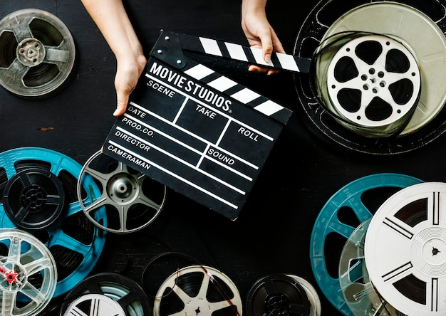 Houd een filmstrip in de hand