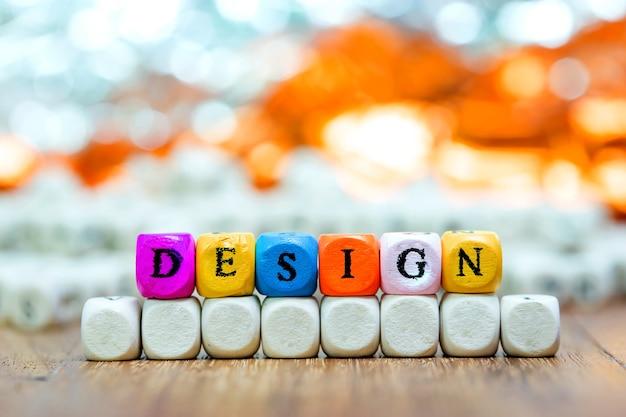 Hout dobbelstenen met woorden ontwerp