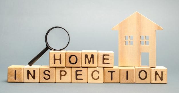 Houten blokken met het woord home inspection