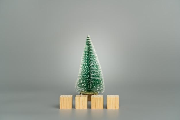 Houten blokken met kerstboom