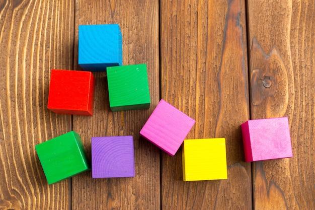 Houten blokken speelgoed