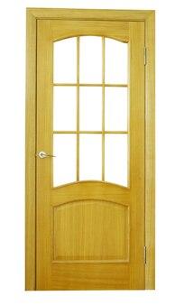 Houten deur geïsoleerd op wit
